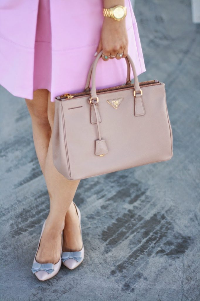simplyxclassic, ootd, blogger, fashion blogger, orange county, los angeles, jcrew skirt, prada handbag, crew factory pumps, bow heels, pink skirt