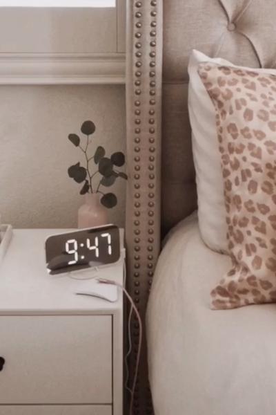 Amazon Favorites – digital clock & magnetic cable organizer