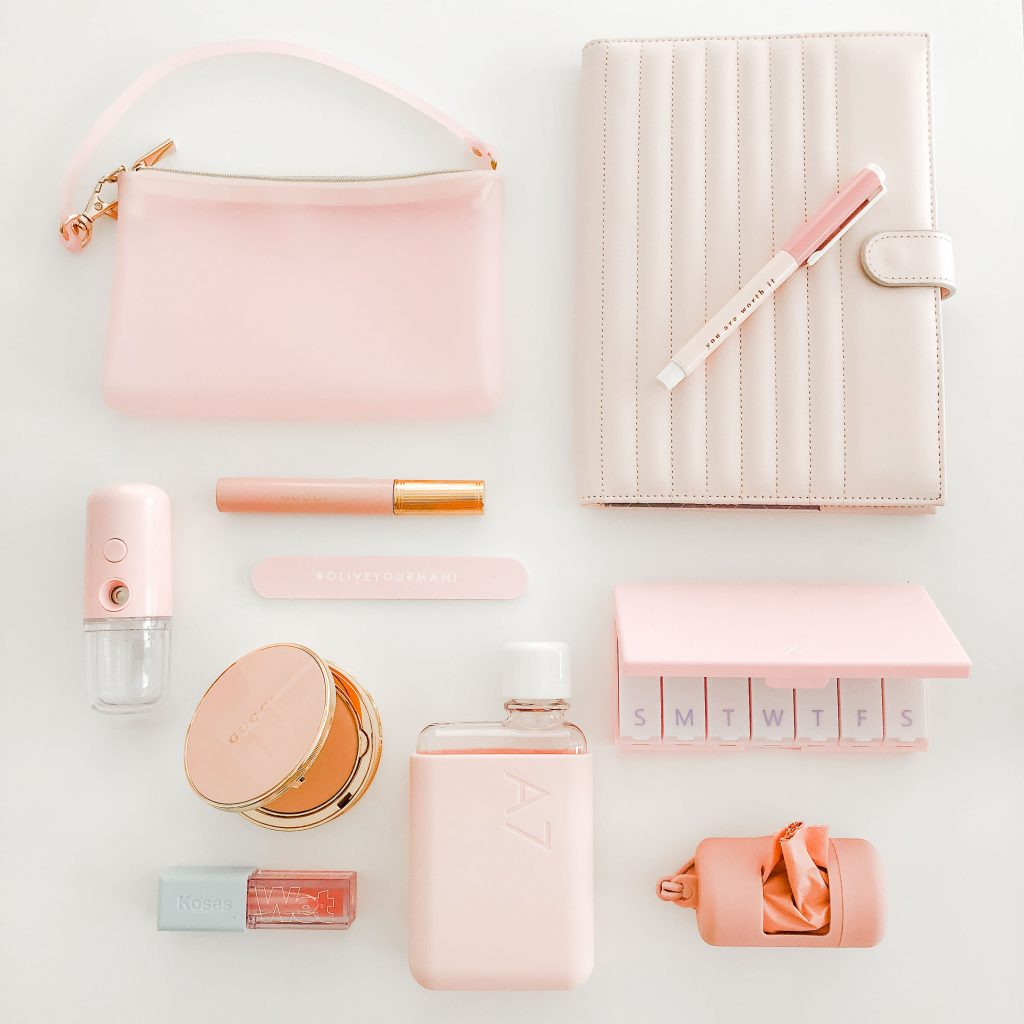 what's in my hand bag, pink